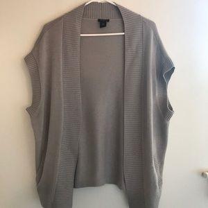 Ann Taylor Gray Sleeveless Sweater Cardigan